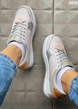 Кроссовки с цветными вставками4 фото