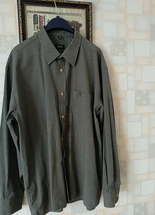 Рубашка фирмы hugo boss.xxl.