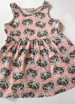 Симпатичное платье в котики р.92