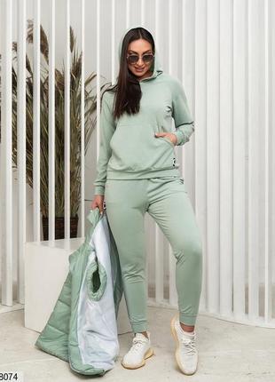 Оливковый костюм тройка кофта брюки жилетка
