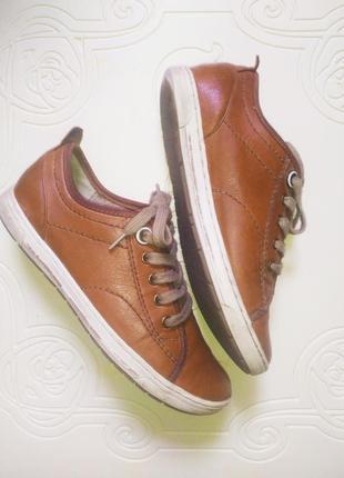 Спортивные кожаные туфли кеды кроссовки