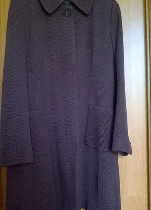 Escada брендовое пальто деми