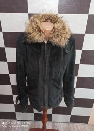 Шикарная замшевая куртка с енотом