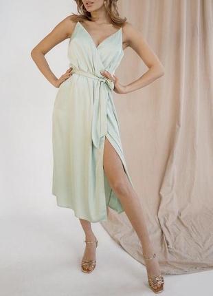 Легкое фисташковое платье комбинация