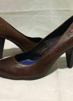 Стильные классические туфли известного итальянского бренда replay, коричневые