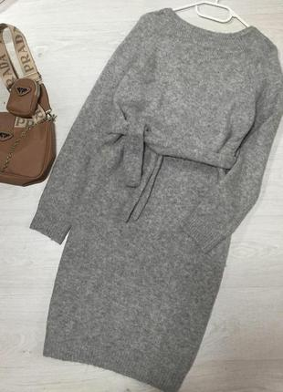 Теплое платье длины миди