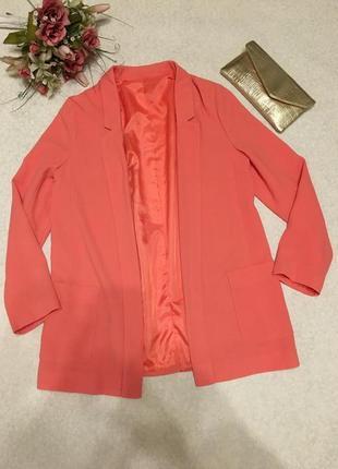 Стильный удлиненный  пиджак свободного кроя от george