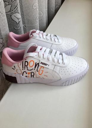 Белые кроссовки сникерсы пума cali superbold jr 374370 01 с принтом кожа светлые женские розовые