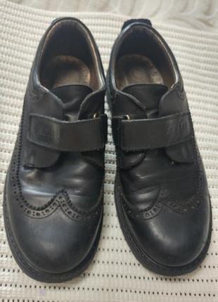 Суперские кожаные туфли броги на липучке 36