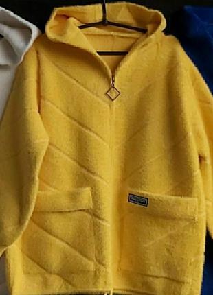Стильная теплая куртка,пальто ,яркий модный цвет, размер 54.