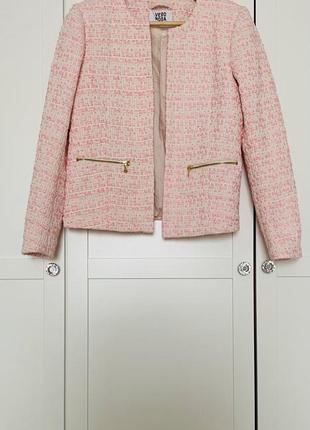 Красивый пиджак vero moda в стиле шанель , размер s