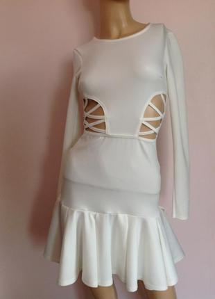 Оригинальное белое платье/xs/ brend boohoo