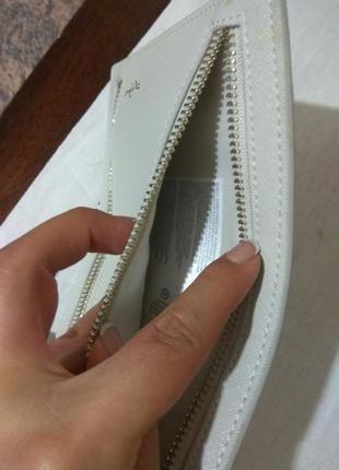 Плоский бежевый кошелек клатч от c&a