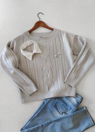 Укороченный свитшот свитер джемпер светло-серый в косы
