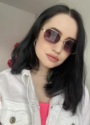 Модные солнцезащитные очки коричневые качественная оправа