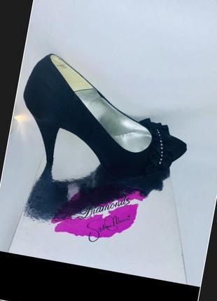 Итальянские новые нарядные кожаные туфли украшено сваровски