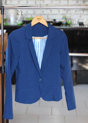 Деловой пиджак, отличный фасон!