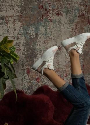 Популярные кроссовки из натуральной кожи кожаные стильные с подошвой
