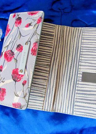 Новый вместительный кошелёк в цветы от parfois2