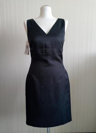 Приталенное платье с v-образным вырезом сукня stefanel