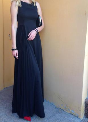 Черное платье kira plastinina