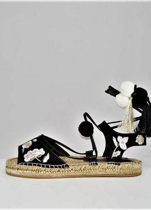 Эспадрильи-сандали-босоножки с золотой вышивкой на завязках