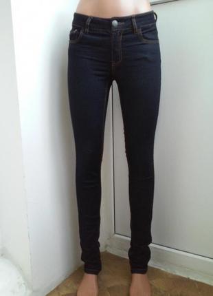 Отличные брендовые темные джинсы скинни only