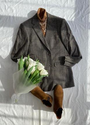 Коричнево сірий подовжений піджак