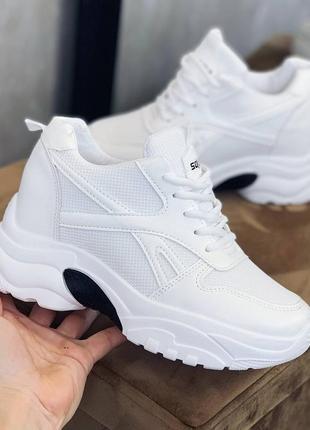Кроссовки белые, эко кожа, весенние