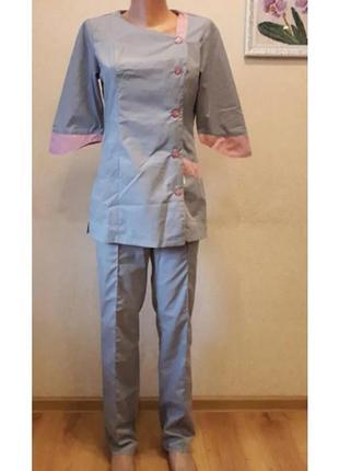 Женский медицинский костюм серый с пудровыми вставками