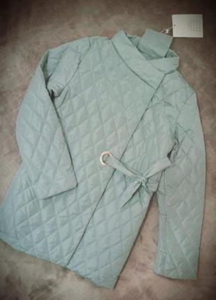 Курточка весенняя.