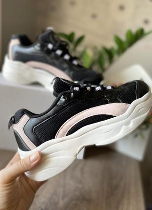 Стильные кроссовки. размеры в наличии