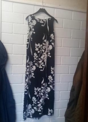 Шикарное платье.моделирует фигуру