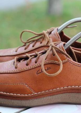 Стильные кожаные туфли, мокасины 42-43 clarks. вьетнам