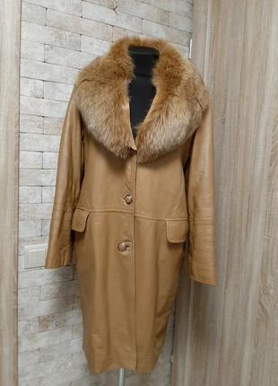 Пальто из кожи с  натуральным мехом италия