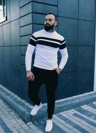 Комплект: свитшот и брюки черные