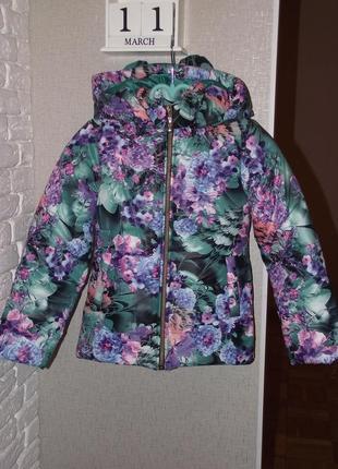 Новая курточка на девочку размер 128
