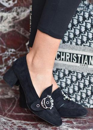Стильні жіночі туфлі