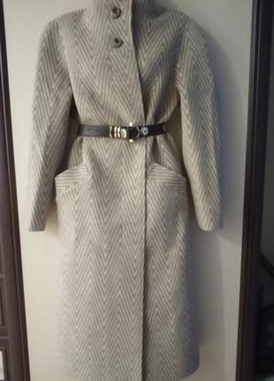 Кашемировое пальто в елочку 100% шерсть.