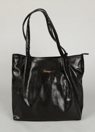 Черная мягкая женская сумка шоппер на плечо глянцевая