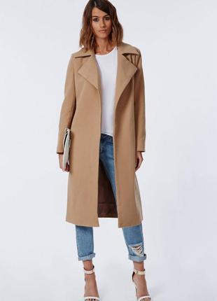 Шикарное пальто  цвета кемел без застежек