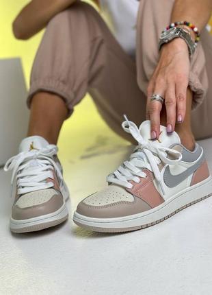 Яркие кроссовки nk aj 1 low beige
