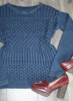 Стильный вязаный свитер - m