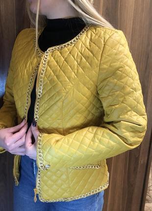 Чудова стильна курточка л-хл