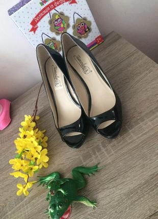Шикарные туфли 👠  👠 👠 и много других интересных вещей