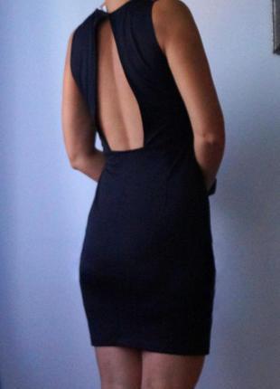 Маленькое чёрное платье с откритой спинкой от h&m