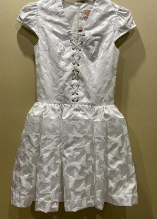 Новое нарядное платье на шнуровке actrizza