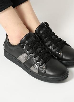 Стильные женские кожаные черные кеды кроссовки натуральная кожа