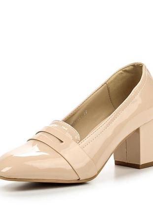 Lost ink лаковые туфли лоферы бежевые пудровые туфельки
