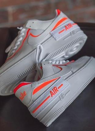 Белые кроссовки с цветными вставками6 фото